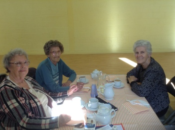 L-R Gwen, Doris, Brenda
